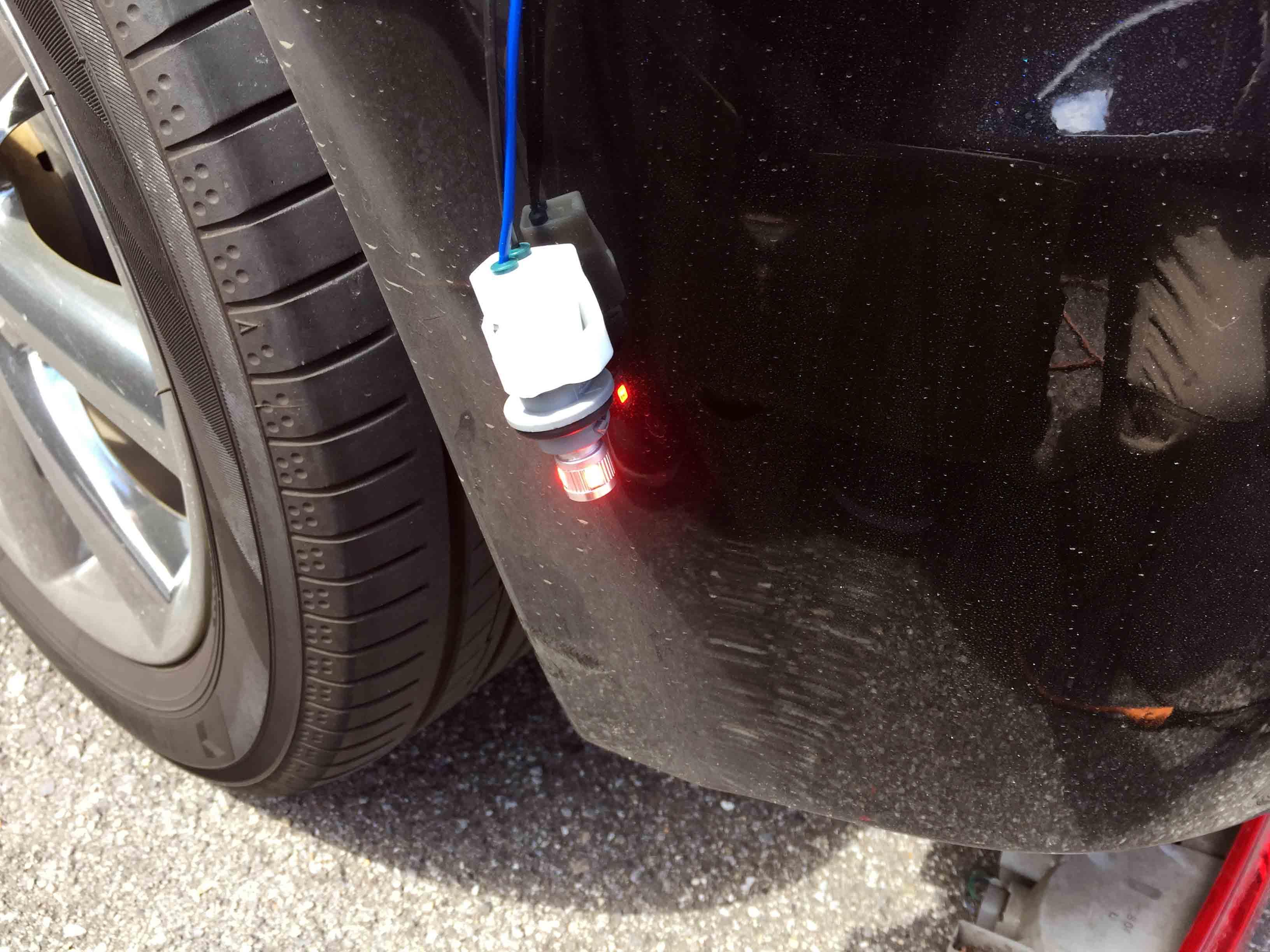 日産Z12キューブへサイドマーカー配線接続し点灯チェック