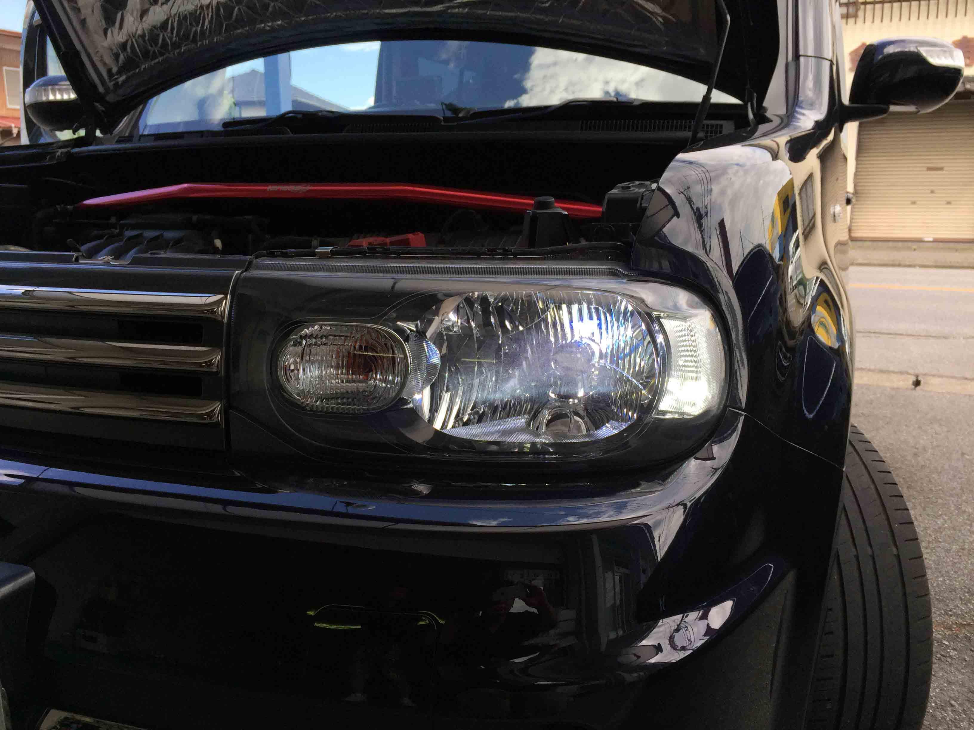 日産Z12キューブのヘッドライトバーナーを交換しポジションランプをLED化