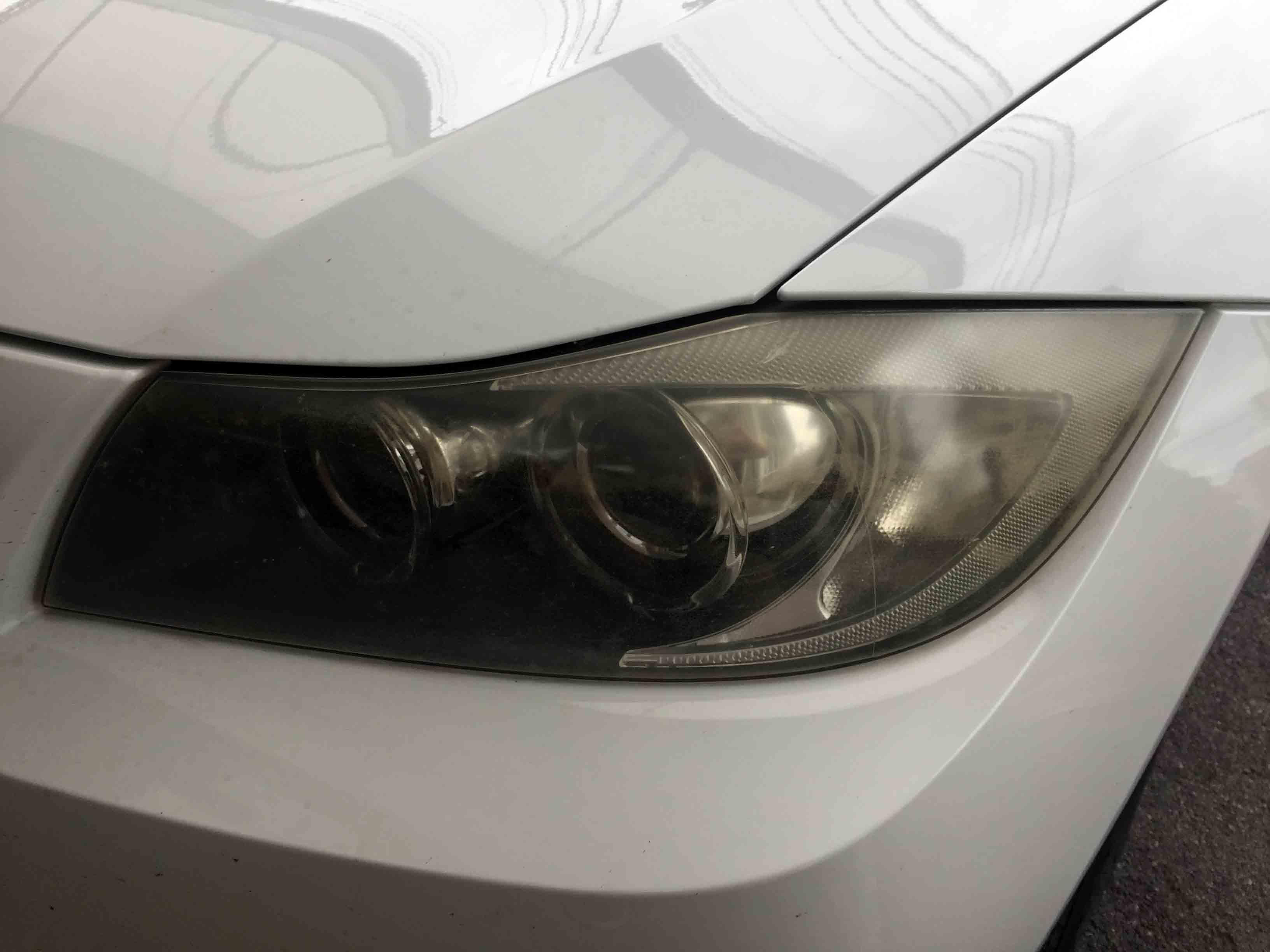 BMW3シリーズE91のヘッドライト全体に黄ばみが発生