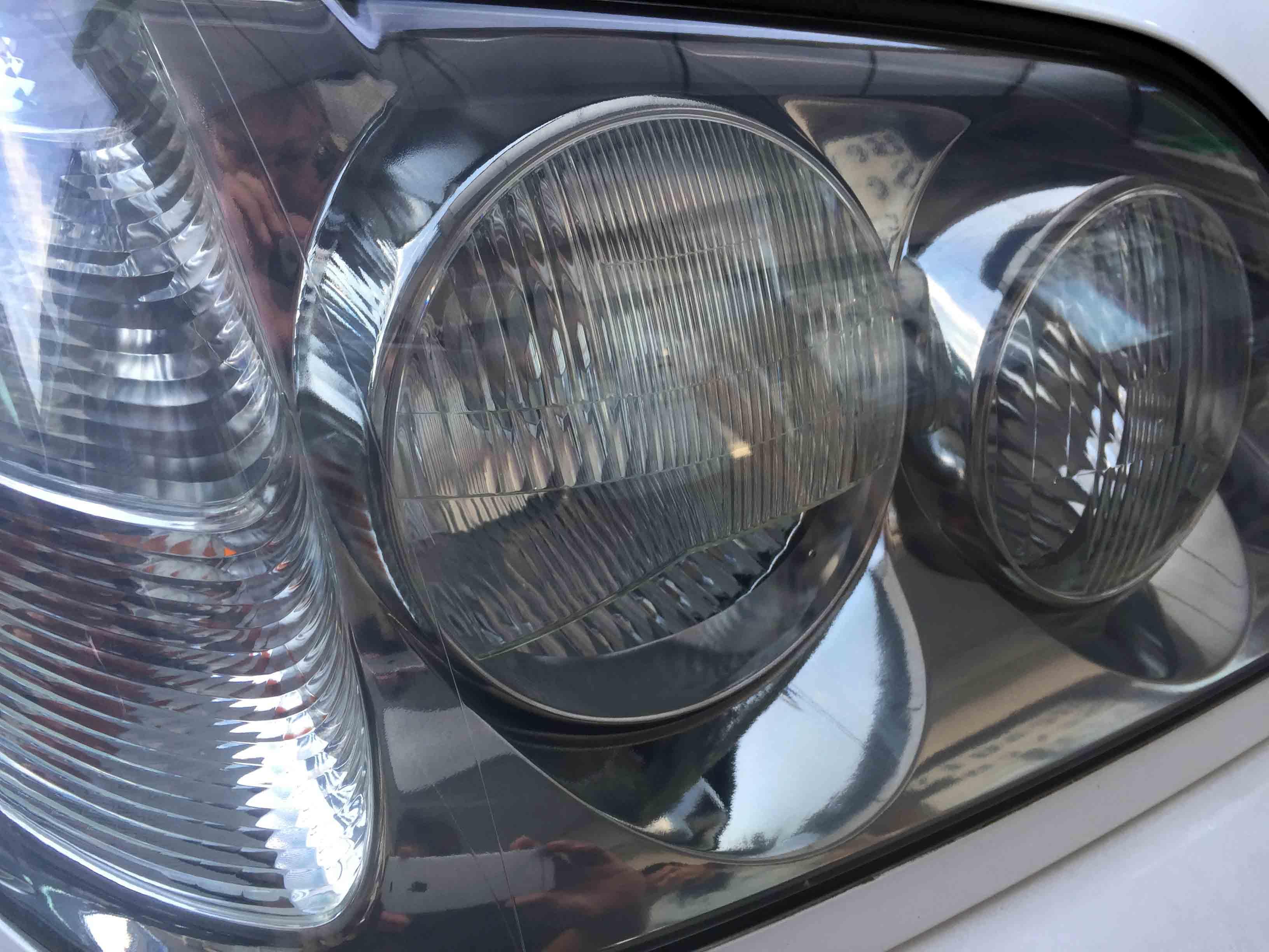 トヨタ17系クラウンのヘッドライトリフレッシュ後は内部も綺麗に見ることができます