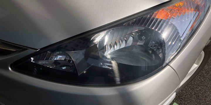 トヨタエスティマのヘッドライトリフレッシュ後は透明感もアップ
