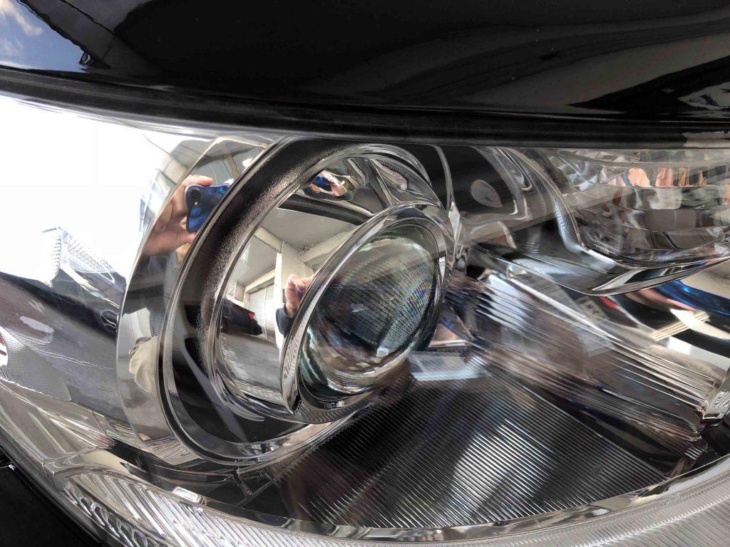 レクサスLSのヘッドライトをリフレッシュしヘッドライト内部も綺麗に見える様になりました