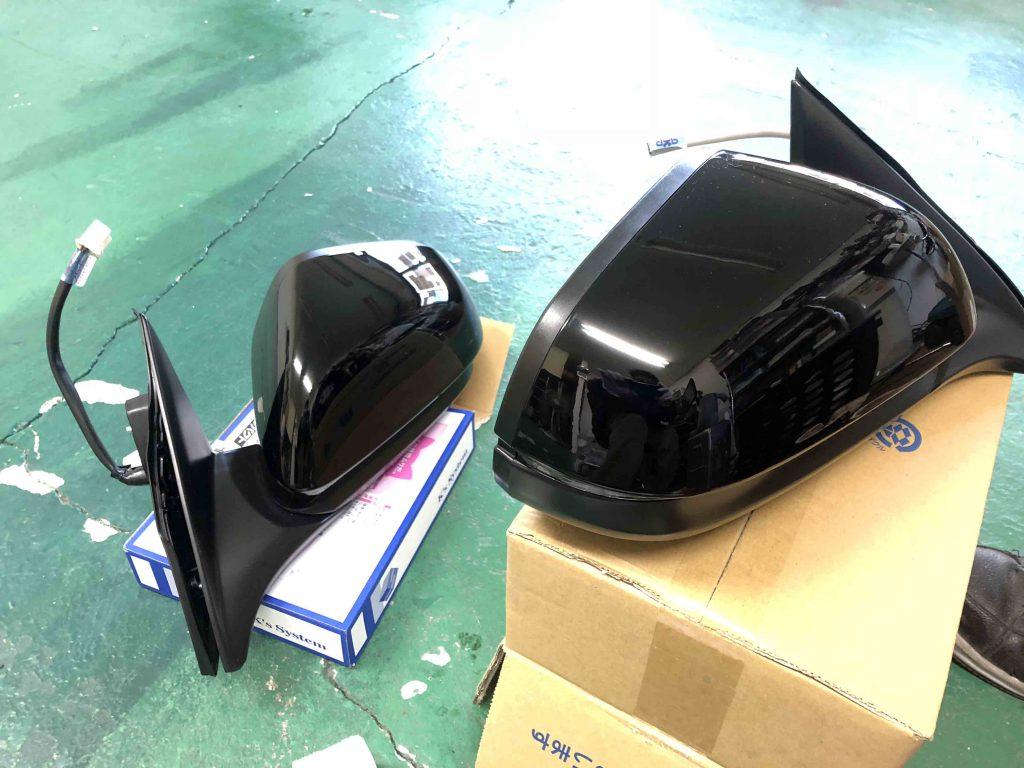 ホンダヴェゼルドアミラーをCR-V用のドアミラーと交換します。