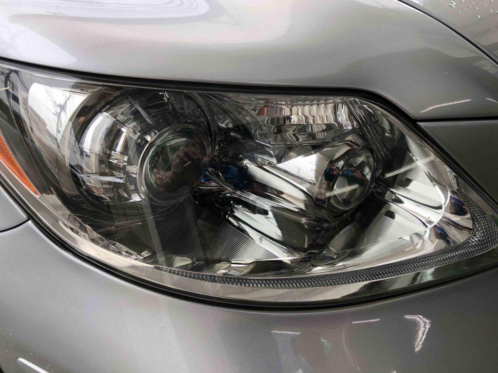 前期レクサスLSのヘッドライトをリフレッシュし透明感のあるヘッドライトに復活