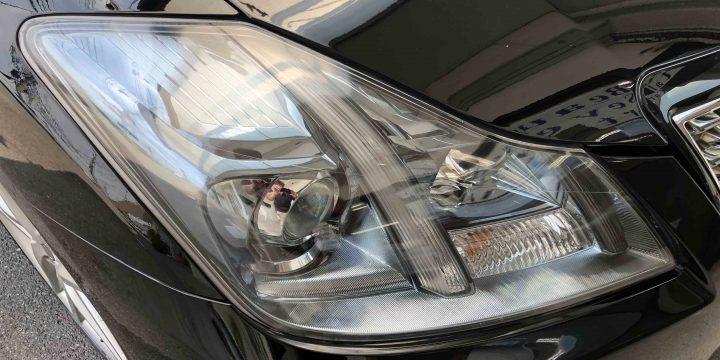 トヨタクラウンのヘッドライトリフレッシュ作業後は綺麗なヘッドライトレンズに復活